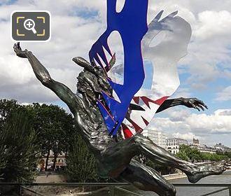 Dans La Gueule Du Loup Sculpture On Pont Des Arts