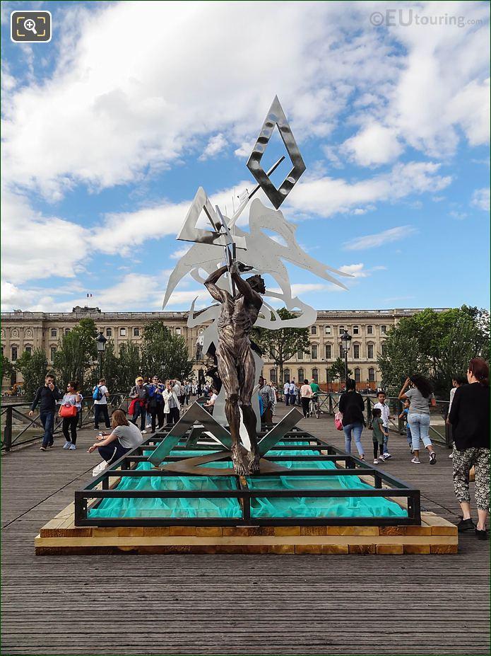 Front Of Le Ciel Lui Tombe Sur La Rete Sculpture