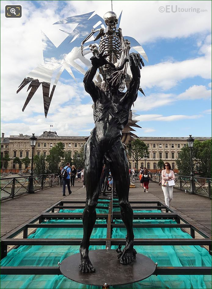 Colin Maillard Sculpture By Artist Daniel Hourde