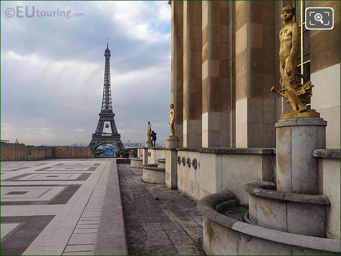 Golden Statue Le Jardinier With Eiffel Tower