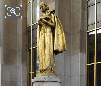 Statue Les Oiseaux On Pedestal LHS