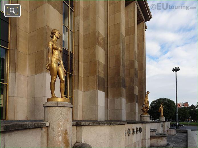 RHS Le Printemps Statue Palais De Chaillot