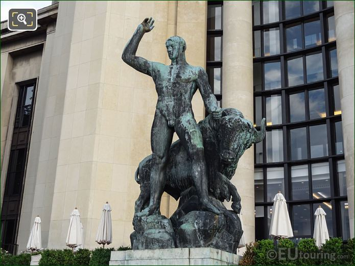 Palais Chaillot Statue Hercules And The Bull