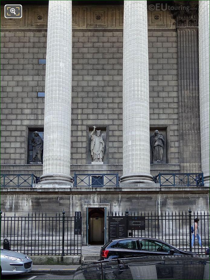 West Facade Eglise Madeleine With Saint Denis Statue