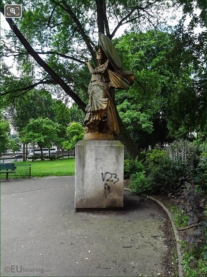 Place Varsovie Statue La Danse Triomphale A Pallas Athene