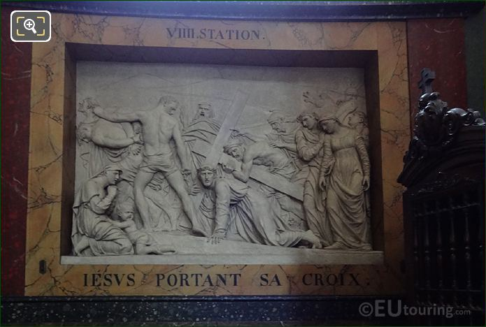 Jesus Portant Sa Croix Sculpture Inside Eglise Saint-Roch