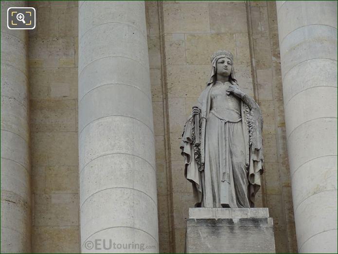 Eglise Saint-Roch Statue Of Sainte Clotilde Between Columns