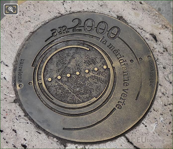 An 2000 La Meridienne Verte Bronze Plaque At Place Du Palais Royal