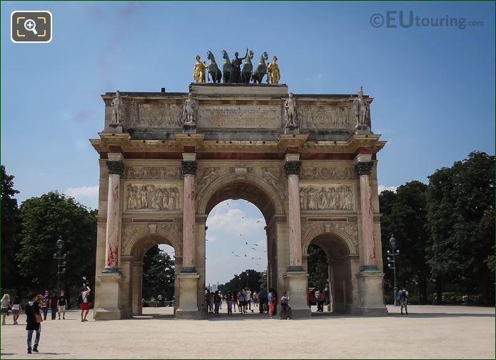 Arc De Triomphe Du Carrousel Quadriga Statues