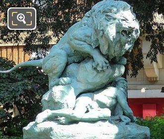 Drame Au Desert Statue In Square Cambronne