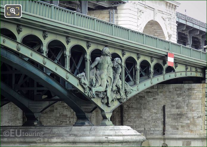 Pont De Bir-Hakeim North Pier With Boatmen Statue Group