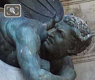 Statue Le Demon Fontaine Saint-Michel