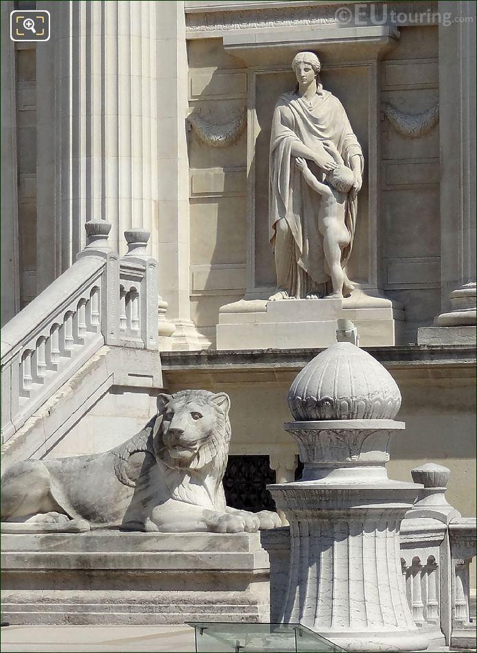 Palais De Justice Statues