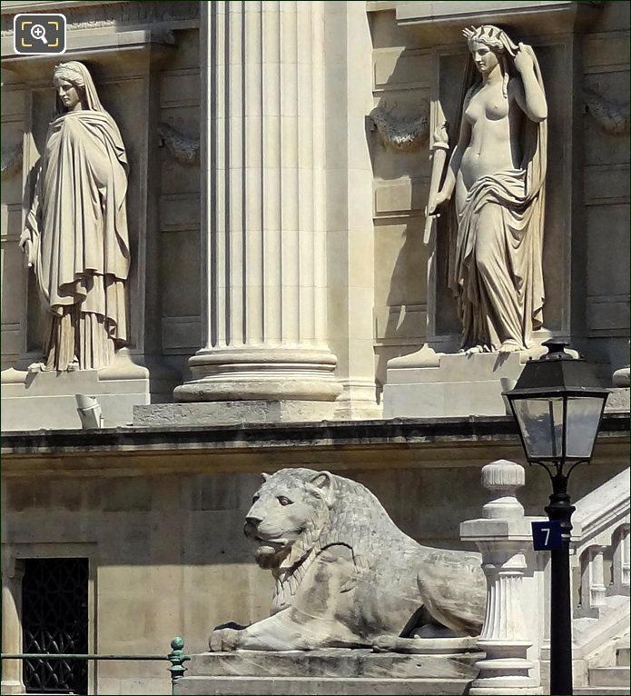 Statues on the Palais de Justice