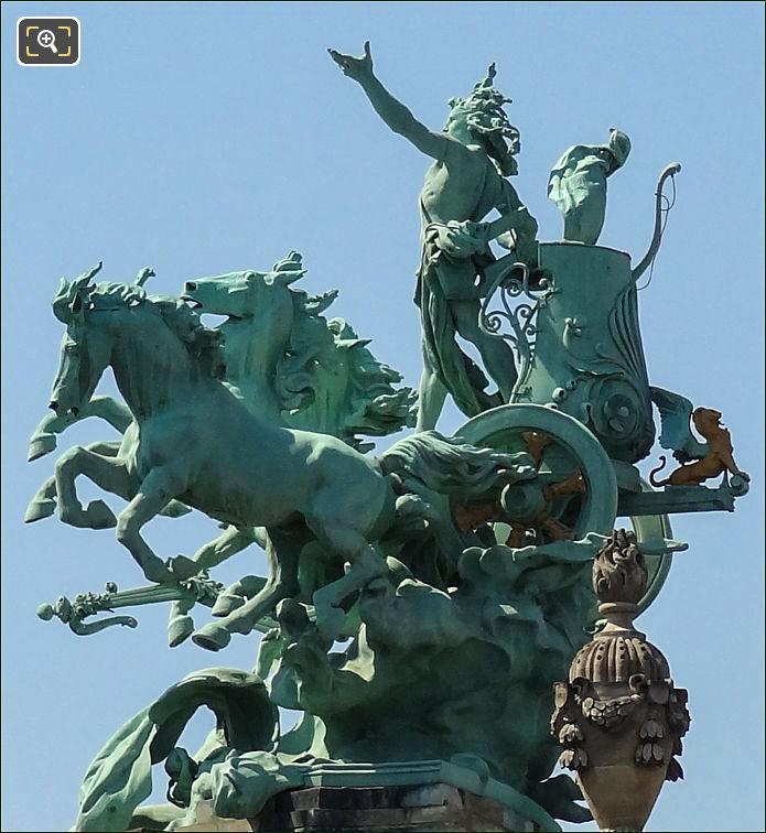 Quadrigas Statue0 on the Grand Palais