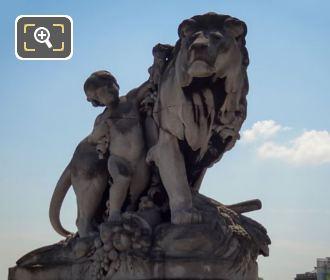 Pont Alexandre III NE Corner Lion a l'Enfant Statue