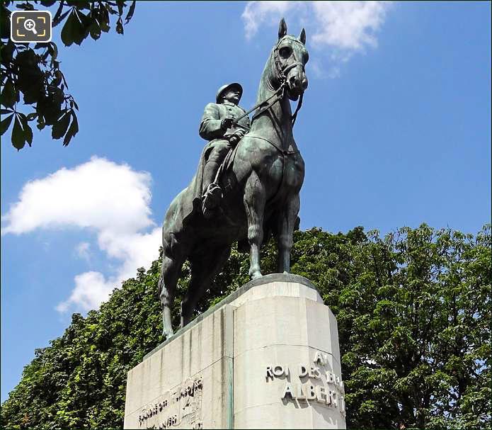 Roi des Belges Albert 1er statue