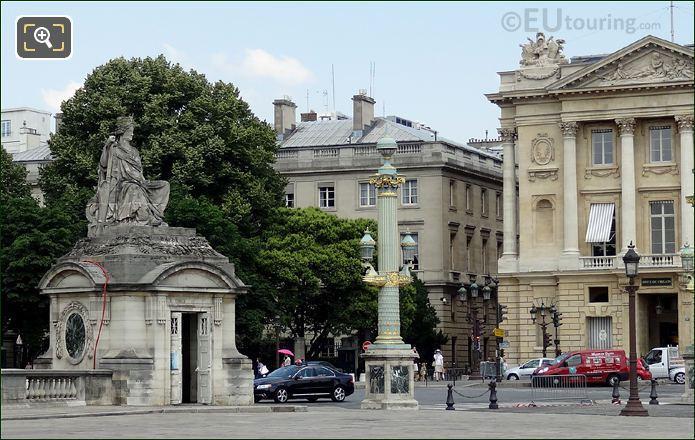 Place de la Concorde La Ville de Brest Statue