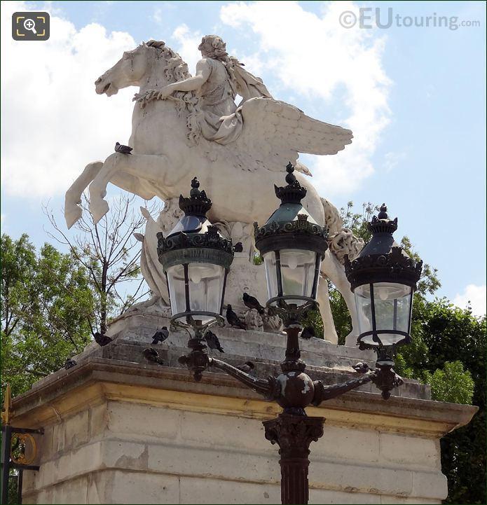 Tuileries La Renommee Montee Sur Pegase Statue
