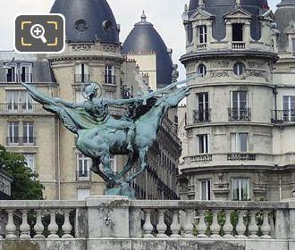 Monument De La France Renaissante On Pont De Bir-Hakeim