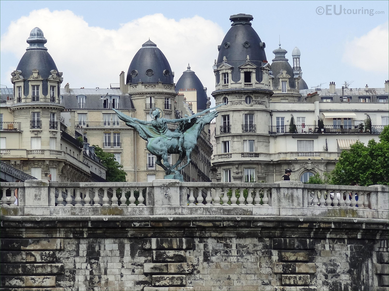 monument de la france renaissante statue in paris page 23