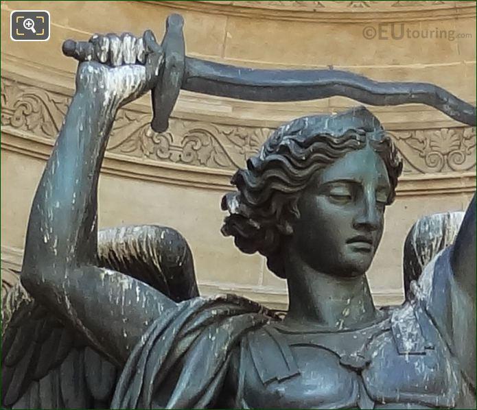 Saint Michel Terrassant Statue Fontaine Saint-Michel