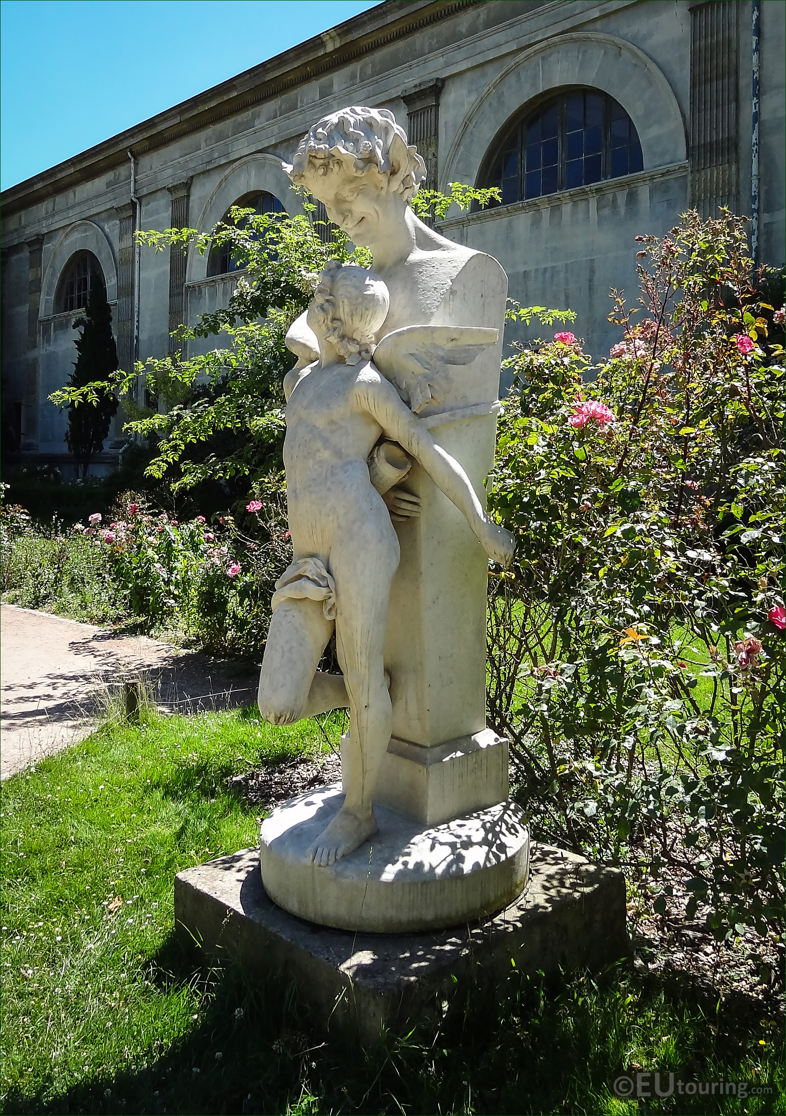 Hd photos of l 39 amour prisonnier statue in jardin des for Jardin plantes paris