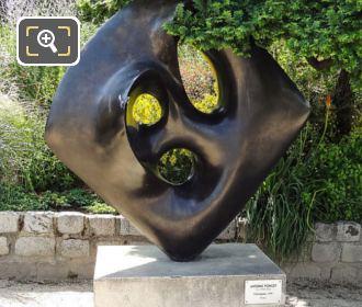 Ochicagogo Sculpture By Antoine Poncet
