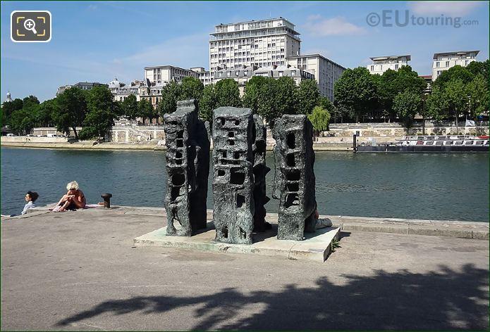 Photos of demeurre 1 sculpture in tino rossi gardens paris for Jardin tino rossi