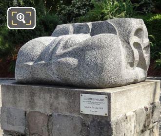 Coeur De Gaucho Granite Sculpture