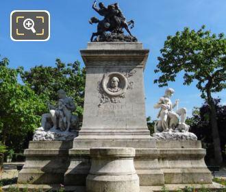 Combat Du Centaure Et Du Lapithe Statue In Square Barye