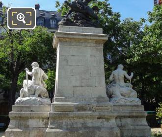 Square Barye Le Combat Du Centaure Et Du Lapithe Statue
