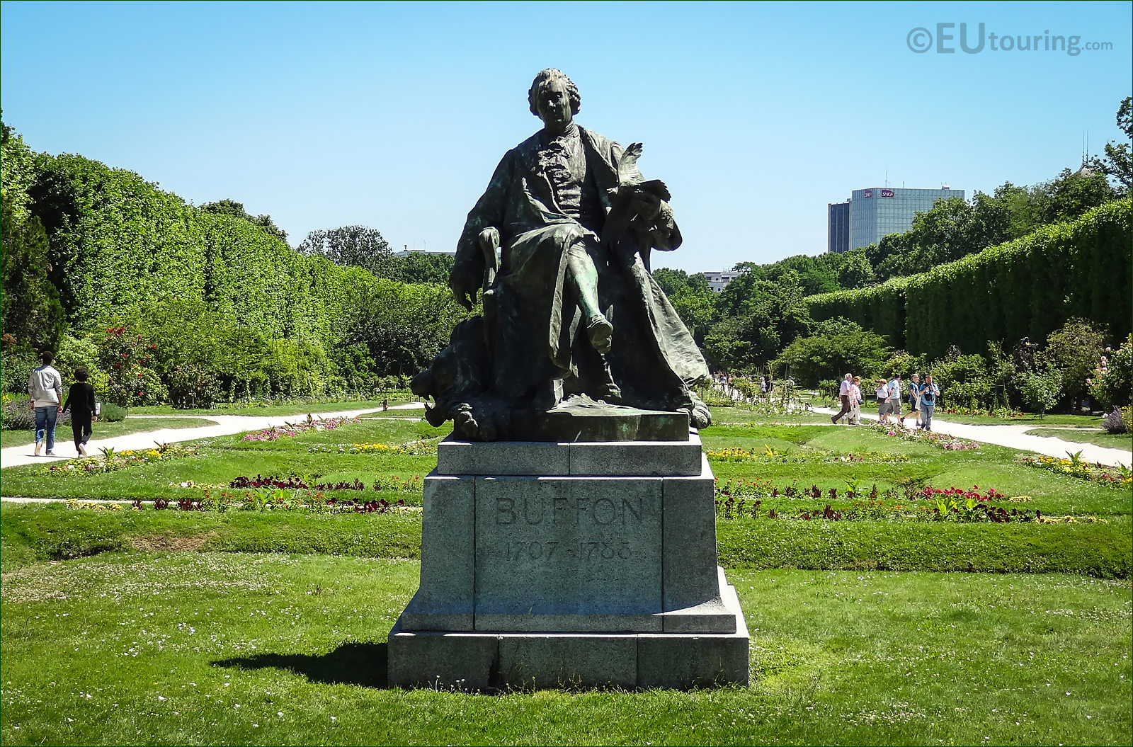 photos of comte de buffon statue in jardin des plantes. Black Bedroom Furniture Sets. Home Design Ideas