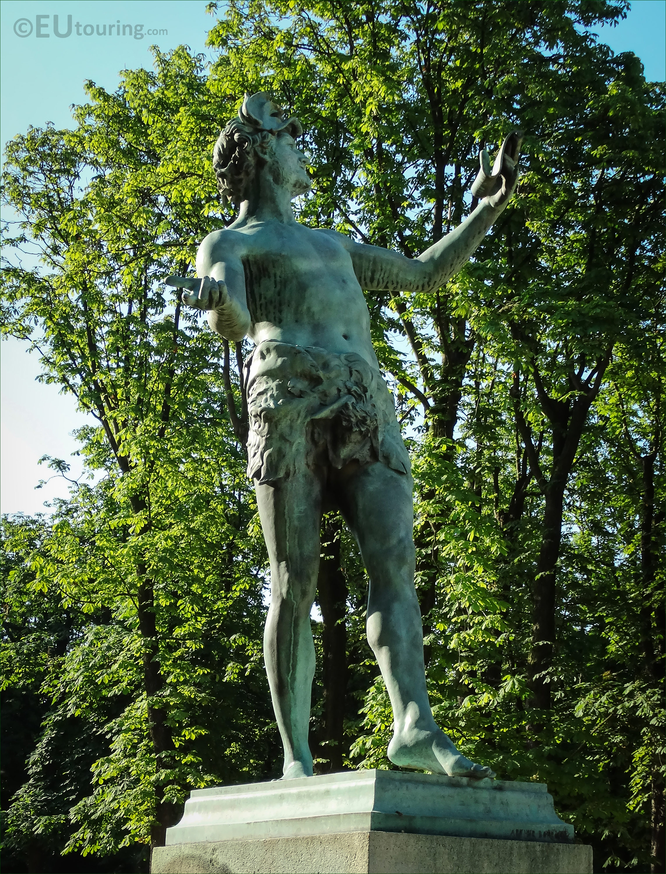Photos of l 39 acteur grec statue inside luxembourg gardens page 215 - Bourgeois house definition ...