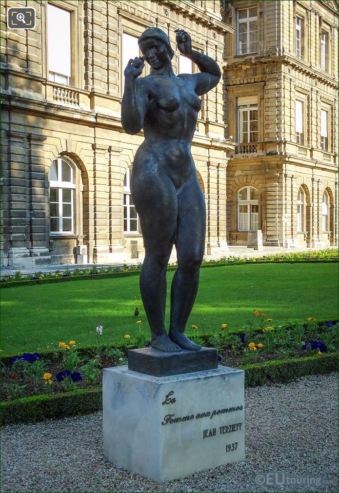 Bronze Statue Called La Femme Aux Pommes