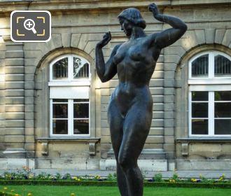 La Femme Aux Pommes Statue Inside Jardin Luxembourg