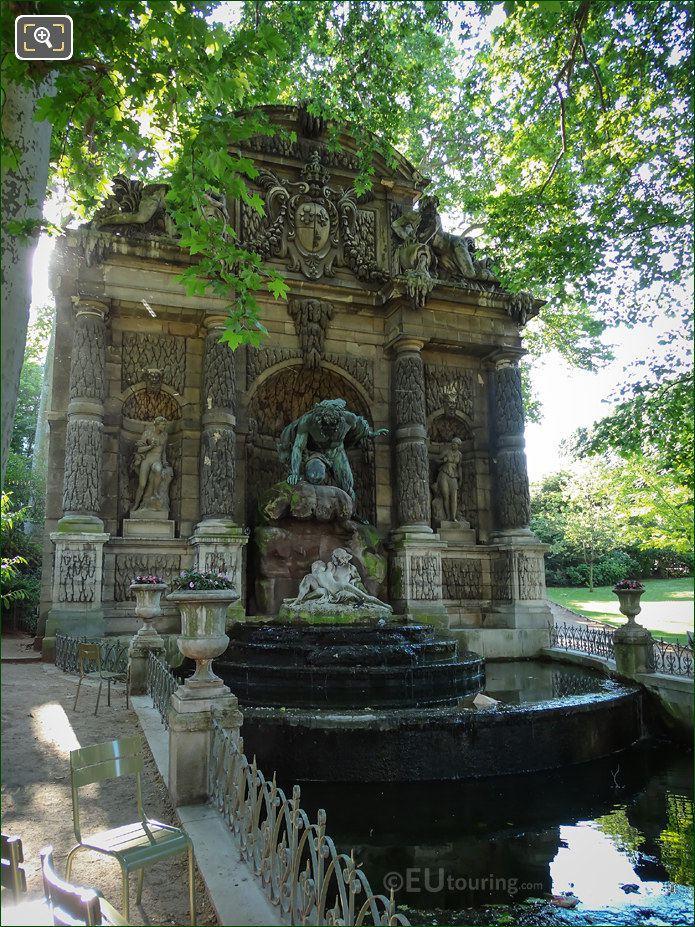 Fontaine De Medici In Jardin Du Luxembourg