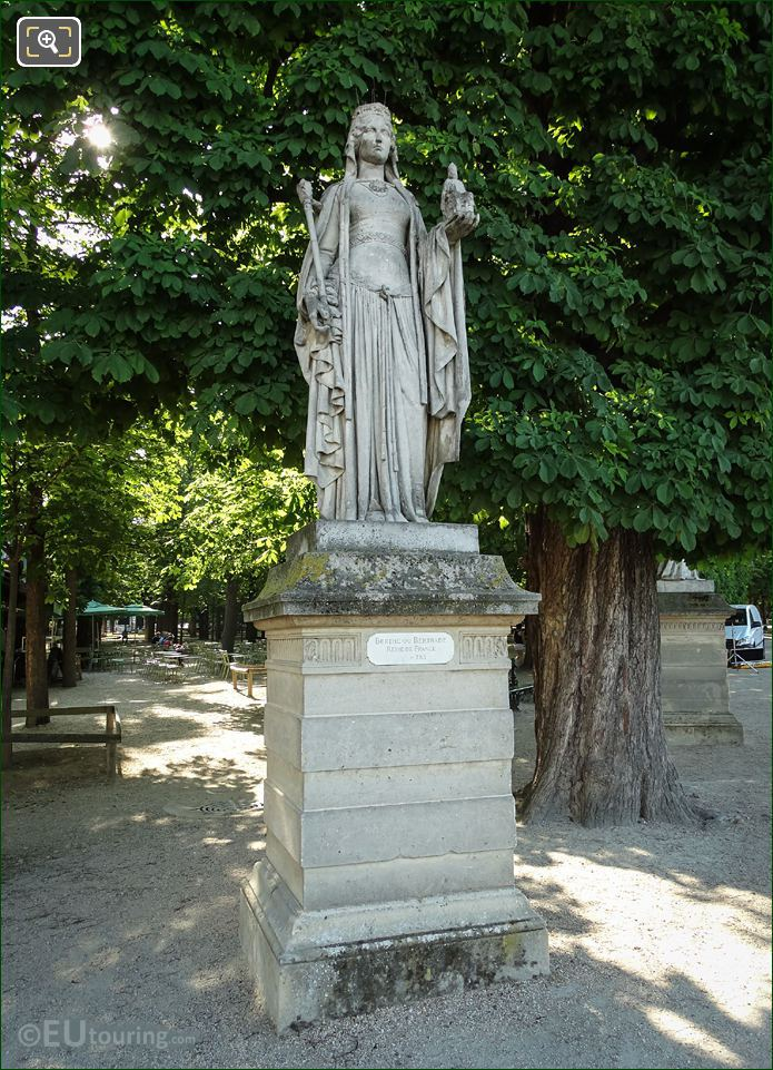 1848 Statue Depicting Bertrade De Laon
