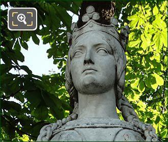 La Reine Mathilde Statue By Carle Vital Elshoect