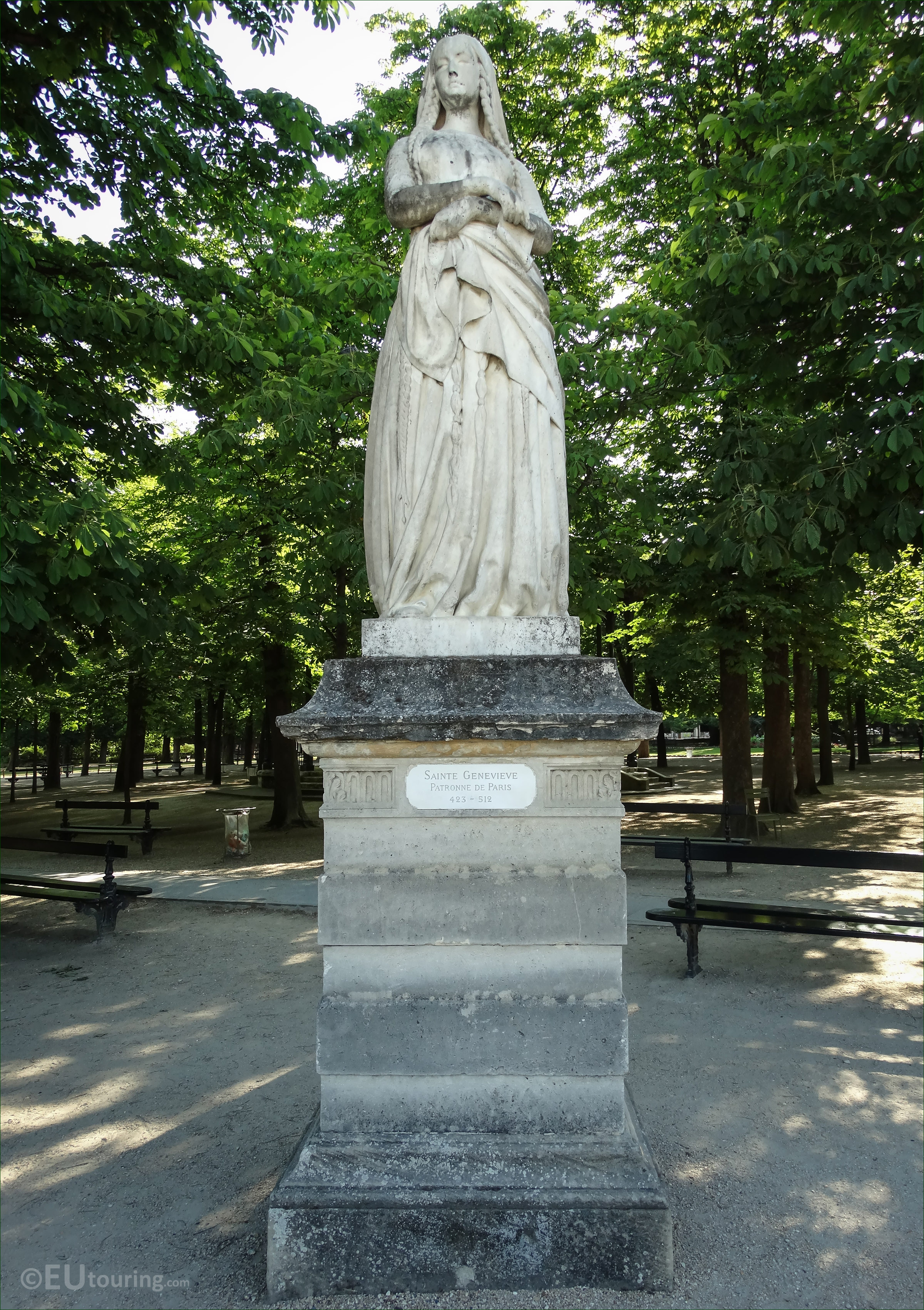 photos of sainte genevieve statue in luxembourg gardens. Black Bedroom Furniture Sets. Home Design Ideas