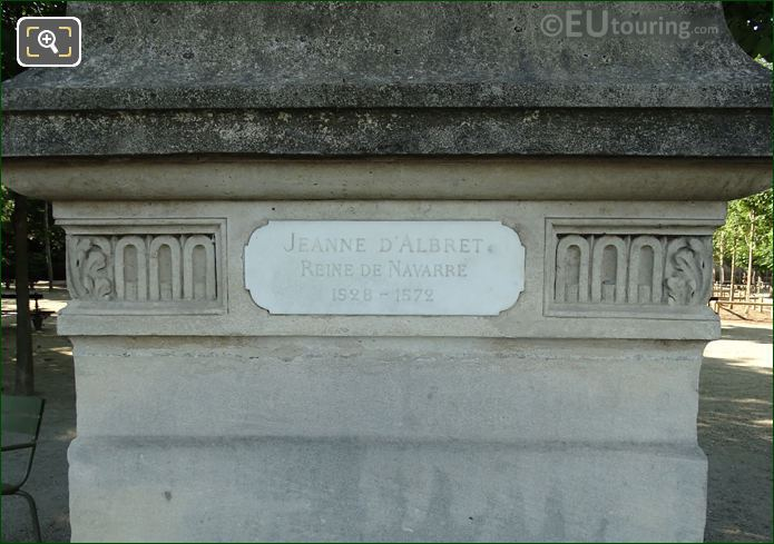 Year And Name Inscriptions On Jean d'Albret Statue