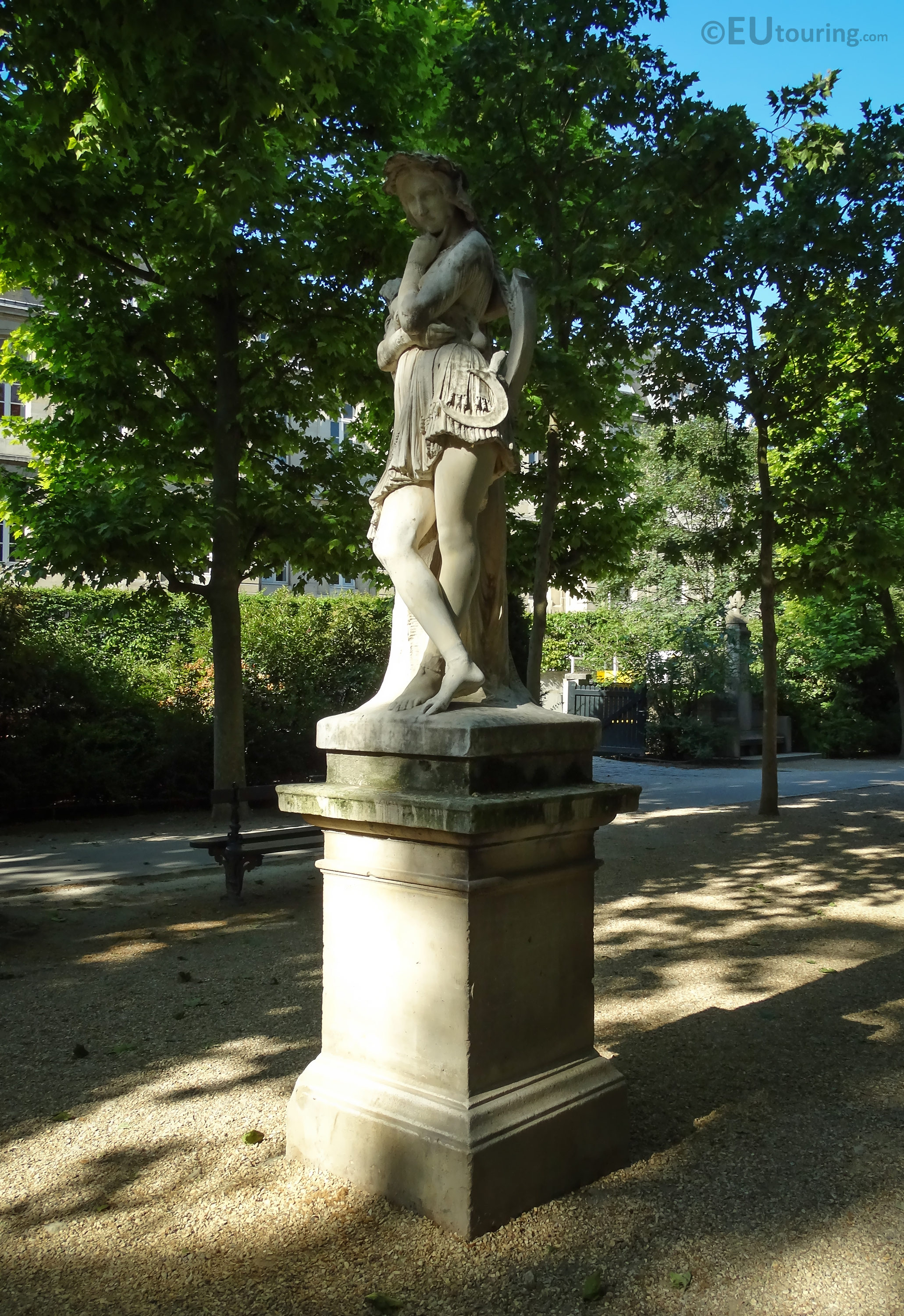 photos of the velleda statue in jardin du luxembourg page 389. Black Bedroom Furniture Sets. Home Design Ideas
