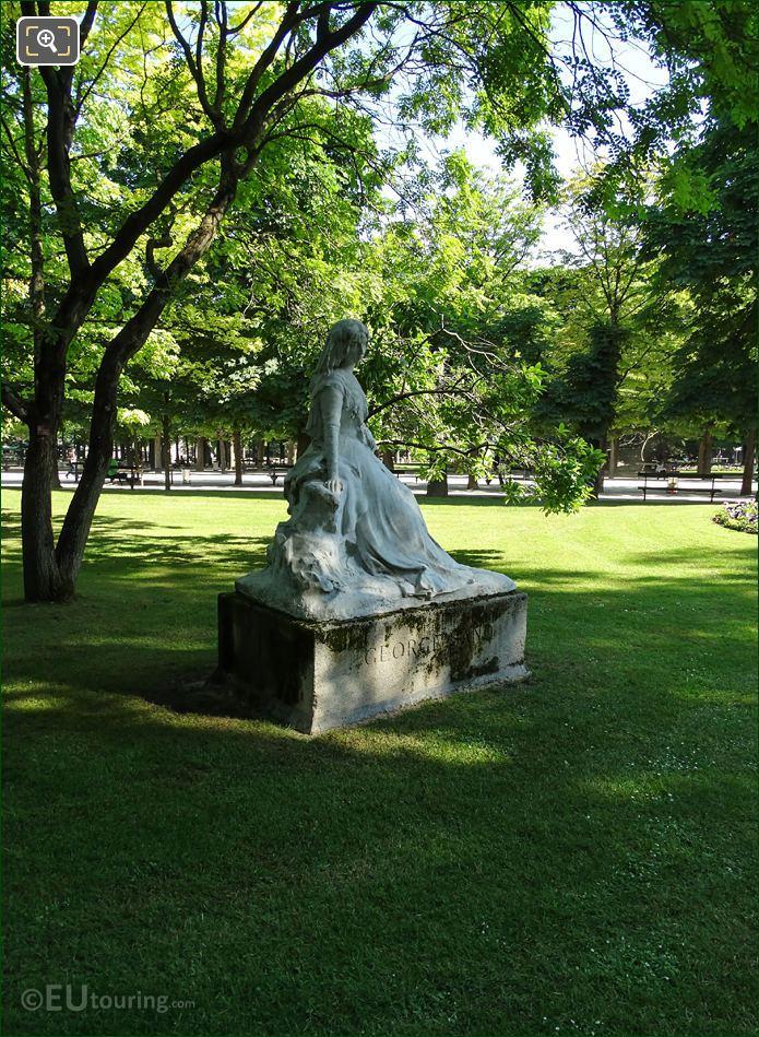 Amantine-Lucile-Aurore Dupin Statue In Paris