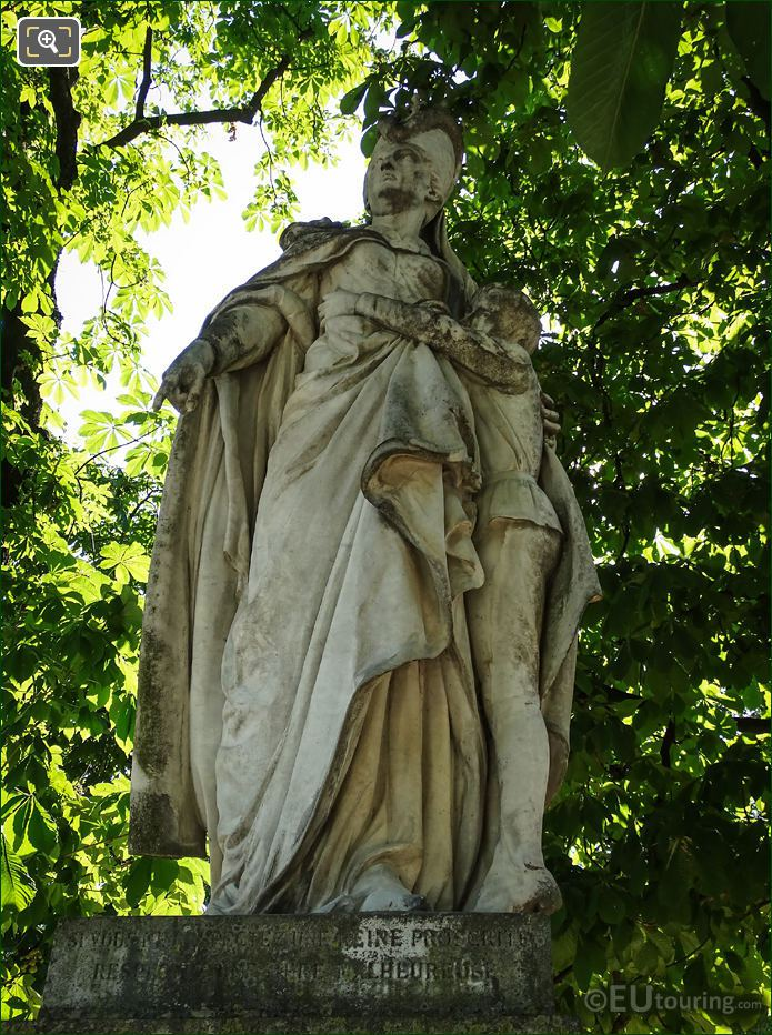 Marguerite Of Anjou Statue By Ferdinand Taluet