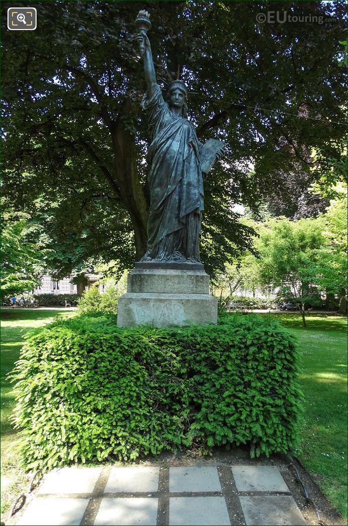 Statue Of Liberty Enlightening Jardin Du Luxembourg