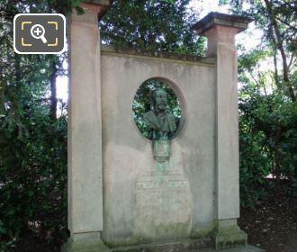 1925 Jose Maria De Heredia Monument