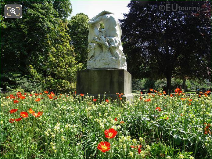 Jardin Du Luxembourg Statue Joies De La Famille