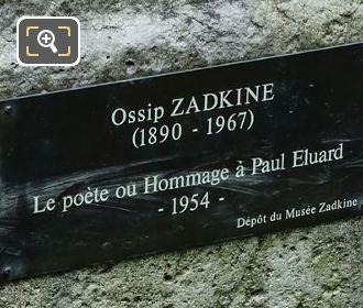 Plaque On Le Poete Statue