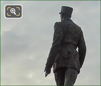 Charles De Gaulle Statue Place Clemenceau