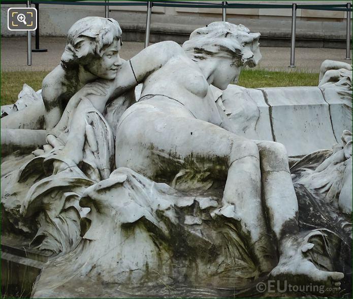 LHS Statue Group Fontaine Miroir D'eau